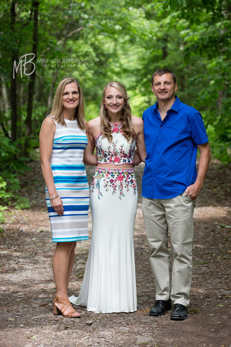 prom photo with parents